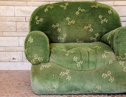Hire an Upholstery Cleaning Service